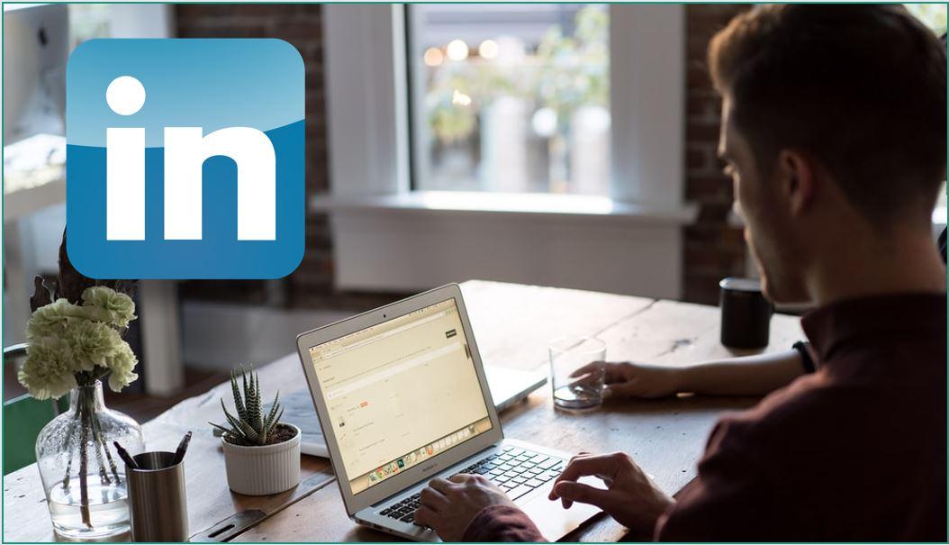 Por al día tu perfil de LinkedIn